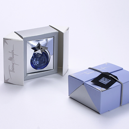 boite forme originale cale argent, packaging design, emballage promotionnel, creation coffret, réalisation sur mesure, fabrication etui, conception emballage, packaging parfums