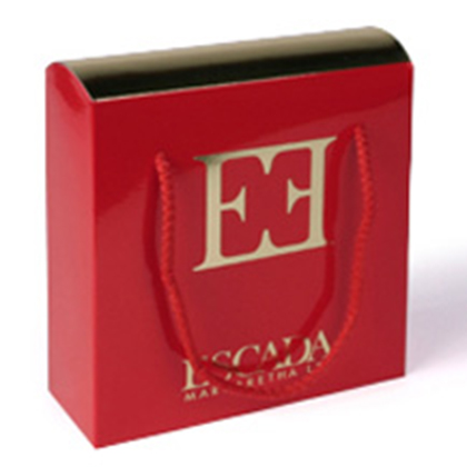 boite à couvercle bombé avec dorure à chaud, packaging design, emballage promotionnel, creation coffret, réalisation et fabrication sur mesure, etui, conception emballage, packaging cosmetique